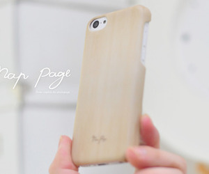 wood and iphone5ccase image