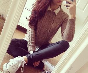hair, moda, and sweater image