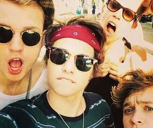 thevamps, connorball, and tristanevans image