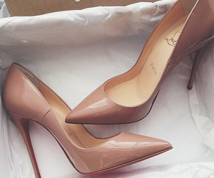 fashion, luxe, and pumps image