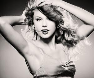 b & w, Taylor Swift, and beautiful image