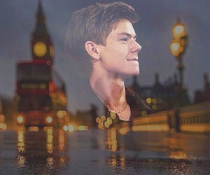 london and thomas brodie-sangster image