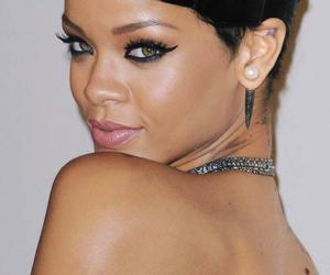 famous, rihanna, and singer image