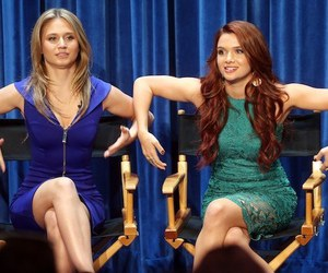 faking it, amy raudenfeld, and katie stevens image