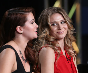 katie stevens, rita volk, and faking it image