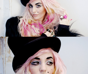 audrey kitching and hat image