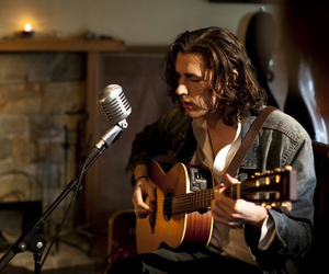 hozier and guitar image