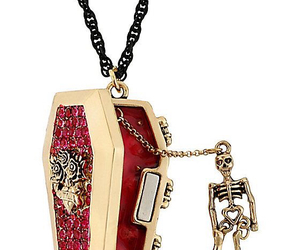betsey johnson, necklace, and skull image