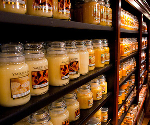 candle, yankee candle, and vanilla image