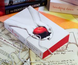 beautiful, bella swan, and book image
