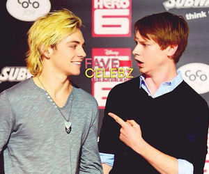 calum worthy and ross lynch image