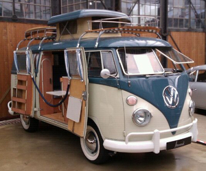 old and volkswagen image