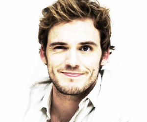 sam claflin, catching fire, and finnick odair image