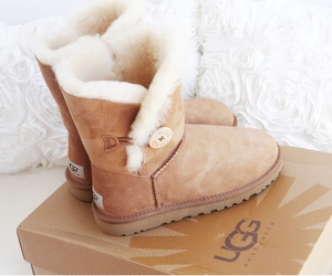 cosy, fall, and uggs image