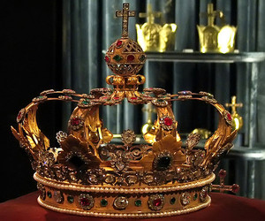 crowns, jewels, and royal crowns image