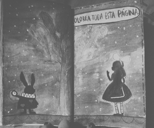 alice in wonderland, wreck this journal, and destroza este diario image
