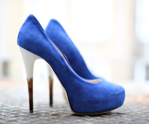 blue, metrosexual, and pumps image