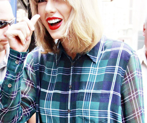Taylor Swift and swiftie image