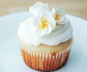 cupcakes and flowers image
