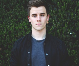 connor franta, youtuber, and youtube image