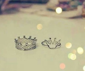 king, Queen, and ring image