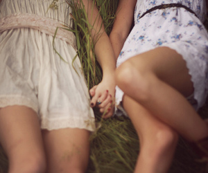 hand holding, lesbian, and lesbian love image