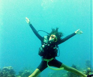 underwater, friends, and scubadiving image