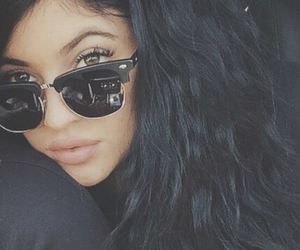 kylie jenner, lips, and kardashian image