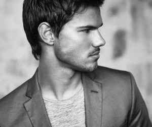 Taylor Lautner, handsome, and twilight image
