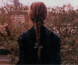 bow and braid image