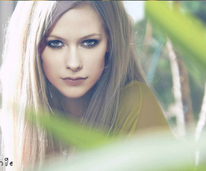 Avril Lavigne and photoshop image