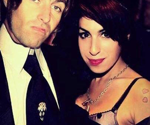 amy, liam gallagher, and Amy Winehouse image