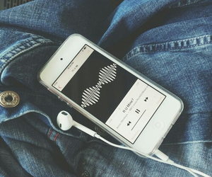 music, arctic monkeys, and iphone image