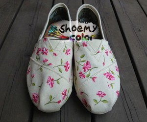 toms shoes, flat shoes, and custom design shoes image