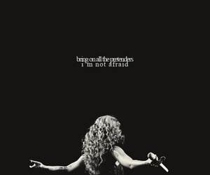 Taylor Swift and long live image
