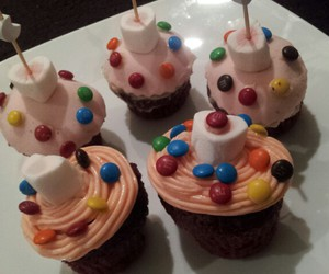 cup, cup cakes, and red image