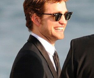 glasses, robert pattinson, and sea image