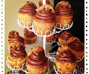 cupcakes and chips ahoy image