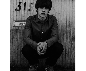 two fingers and jake bugg image