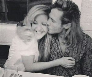 Ellie Goulding, love, and couple image