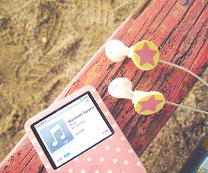 ipod and music image