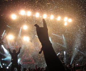 30 seconds to mars, concert, and happiness image