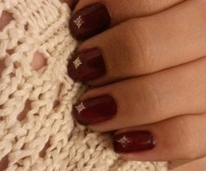ongles and vernis image