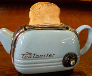 tea and toaster image