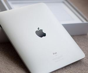 apple, ipad, and box image