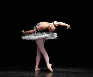 backbend, ballet, and pointe image