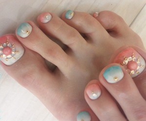 feet and nails nail art image