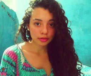 chica bonita image