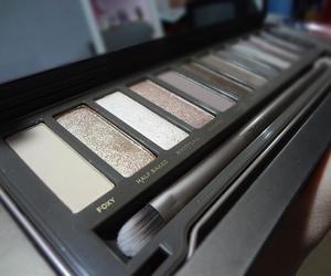 makeup and urban dekay image