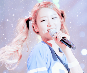 bomi, apink, and a pink image